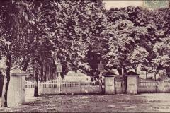 Carte postale - L'entrée du champ de course de Colombes.