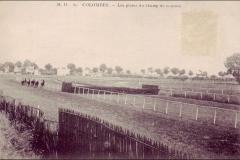 Carte postale - Les pistes du champ de course de Colombes.