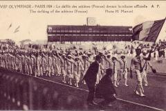 Carte postale des Jeux Olympique 1924 - Défilé des athlètes français.