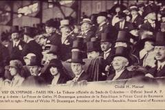 Carte postale des Jeux Olympique 1924 - La tribune officielle au stade de Colombes.