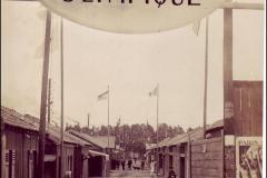 Carte postale Stade Olympique de Colombes - Le village olympique entrée.