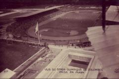 Carte postale - Vue aérienne du Stade Olympique de Colombes en 1924.