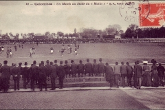 Carte postale - Un match au stade du Matin à Colombes.