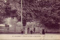 Carte postale - L'entrée du stade du Racing Club.